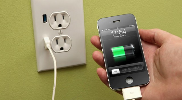 Any iPhone can be hacked with a modified charger in under a minute